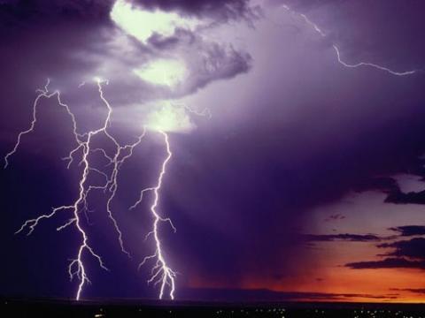 Lightning-Beautiful-Natural-Phenomenon55